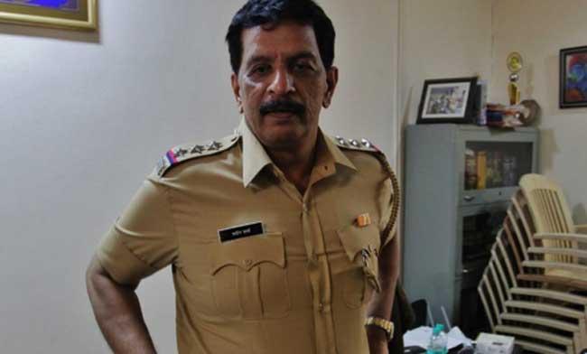 चकमकफेम पोलीस अधिकारी प्रदीप शर्मा यांचा राजीनामा?